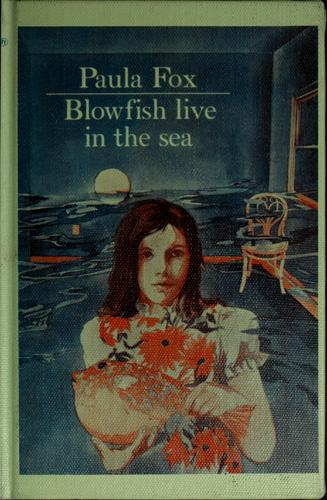 Download Blowfish live in the sea.